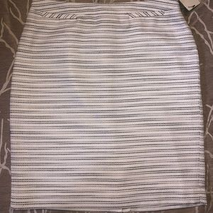 Brand new Halogen black and white skirt